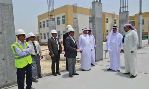 Bahrain companies violate summer work ban | THE DAILY