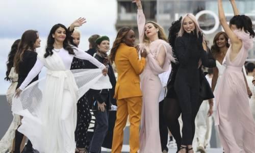 Naomi Campbell steals Lanvin show at Paris Fashion Week