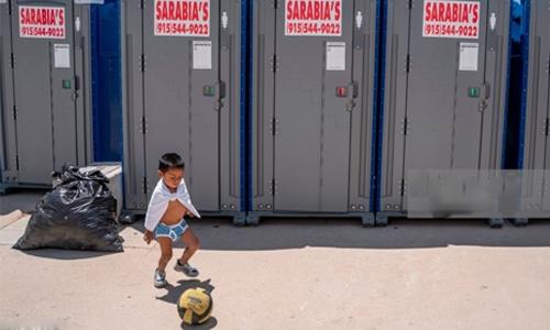 Three-year-old boy 'abandoned' at US-Mexico border