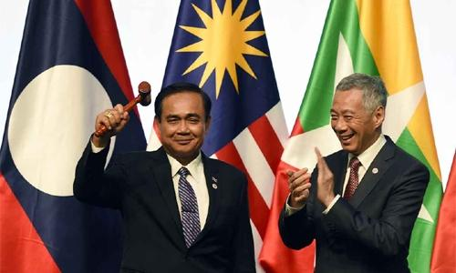 Thais take ASEAN chair