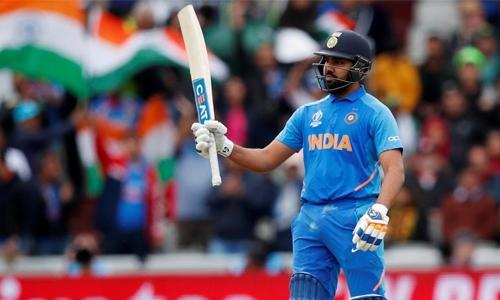 India outclass rivals Pakistan