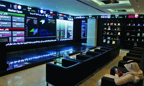 Saudi petchems fall in weak region