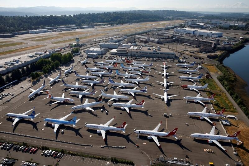 Airbus hits record highs, 737 MAX buyers fall on latest Boeing news