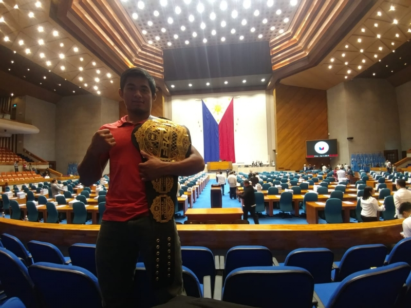Loman honoured in Philippines' House of Representatives