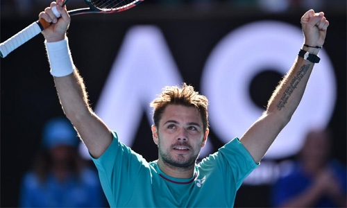 Wawrinka into semis with bad-tempered win