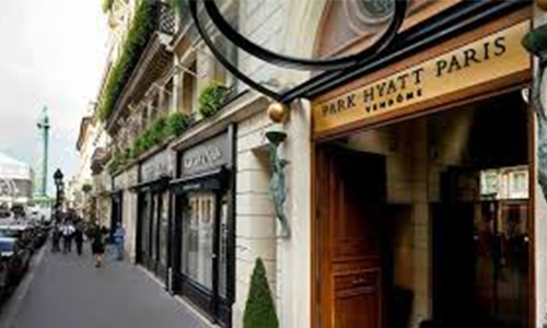Paris luxury hotel must pay after Qatari guest molested cleaner