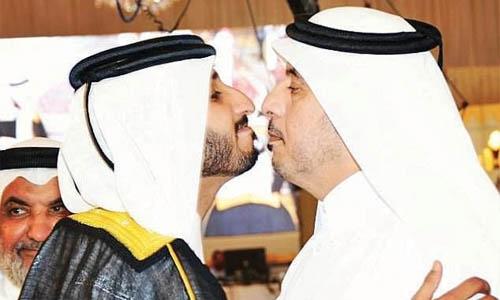 Qatar PM seen with  terrorist at wedding
