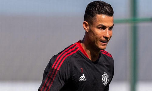 Ronaldo could play until he's 40, says Rooney