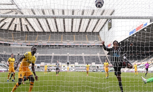 Spurs frustrated by Newcastle, Saints boost survival bid
