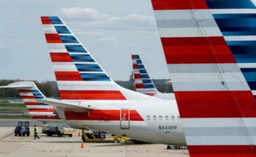 Airline travel shifts toward last-minute bookings, domestic trips