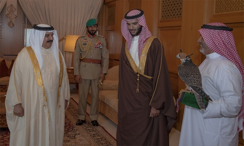 HM King presented with a Bahraini Shaheen falcon