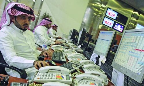 Saudi stocks rise, markets mostly down on weak sentiments