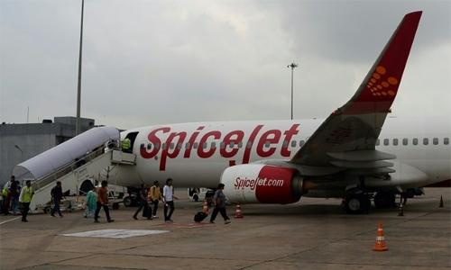 Aircraft technician crushed by landing gear