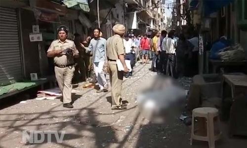 Explosion in Delhi, 1 reported dead