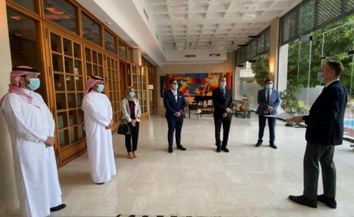 French Ambassador honour 7 Bahraini doctors