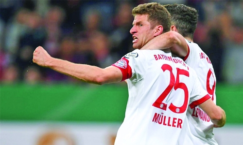 Bayern cruise into DFB Pokal final