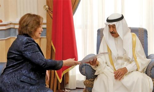 PM urges to improve Arab ties