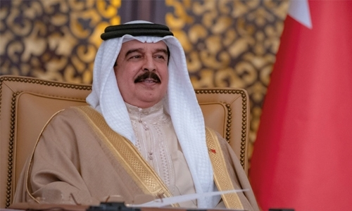 His Majesty receives more cables of congratulations