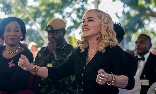 Madonna asks court to block love letter auction