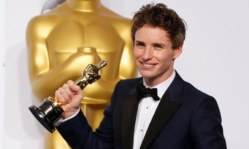 My wife is the most extraordinary being: Eddie Redmayne