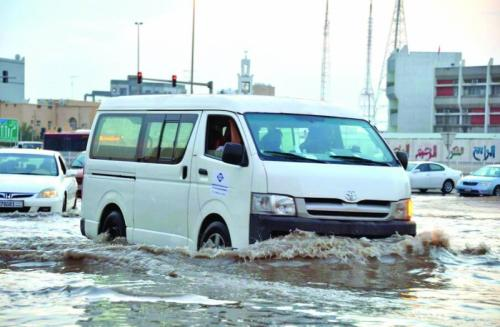 Efforts on to clear floodwaters, smoothen traffic flow