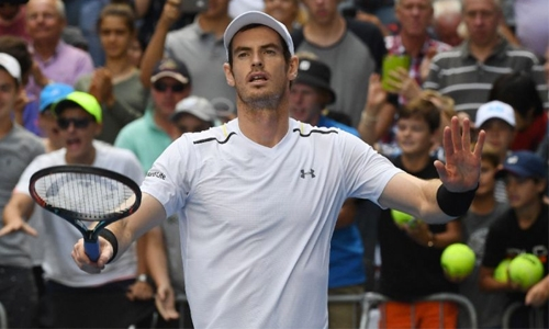 Murray eases into Open fourth round