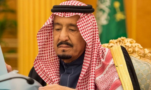 Saudi king approves $19bn stimulus