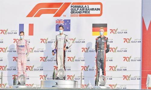 Evans secures Porsche Sprint double