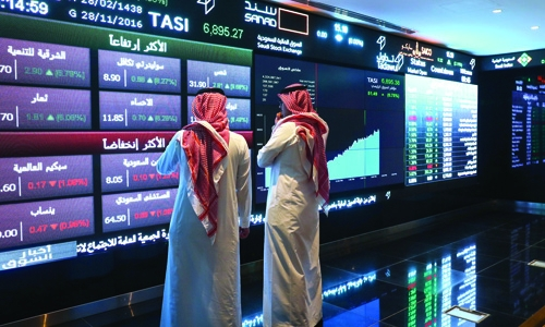 Saudi index holds above 8,000 points telcos boost Egypt