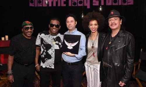 Santana wants album with Isley Brothers to break walls
