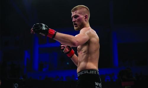 Erik Carlsson praised for intense fight