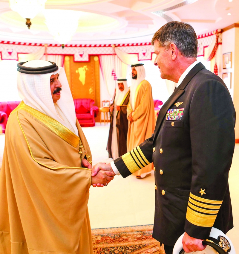 His Majesty receives US Vice-Chief of Naval Operations