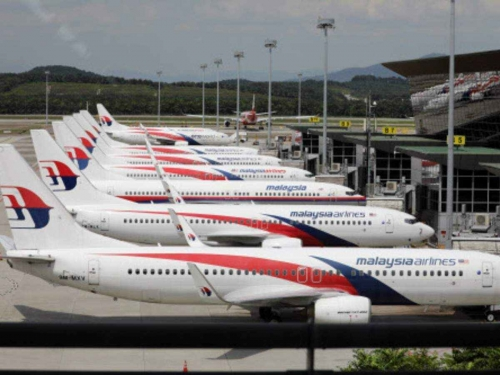Malaysia Airlines boss says will have to shut down if restructuring plan fails