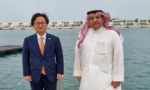South Korean Ambassador tours Durrat Al Bahrain