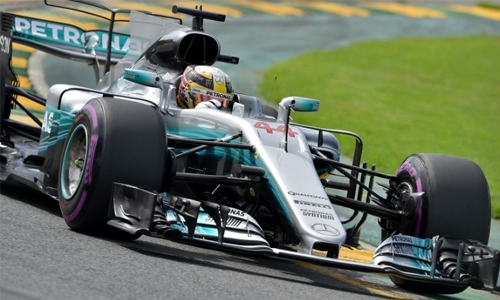 Hamilton 'in league of his own' after Aussie blitz