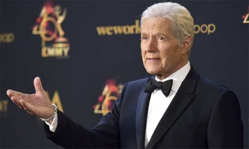 "Sentimental video tribute closes Trebek's final ""Jeopardy!"""