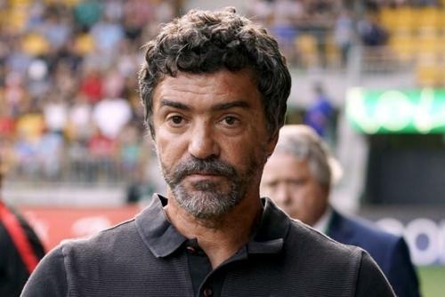 Bahrain coach Sousa eyeing Dubai training camp