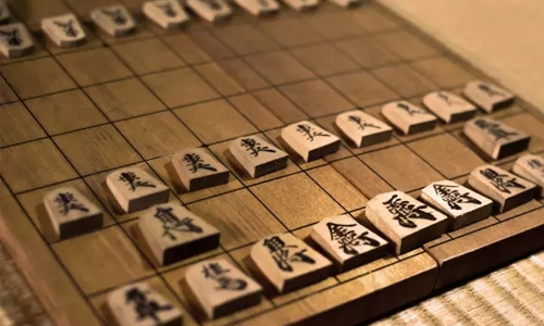 Teen prodigy awes with record Japanese chess streak