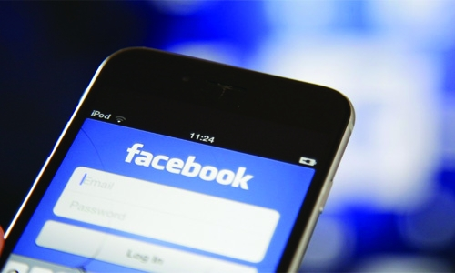 Facebook to offer 'bounty' for reporting data abuse