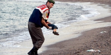 Turkey remands four Syrians in custody over toddler's sea death