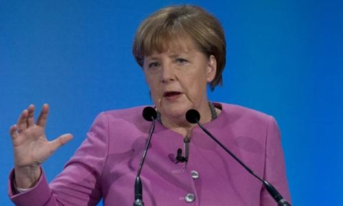 Merkel to open Frankfurt auto show under diesel cloud