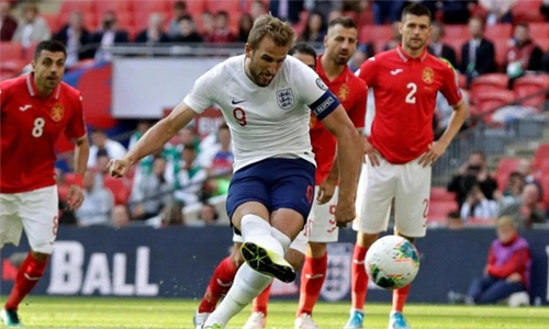 Kane nets hat-trick as England romp past