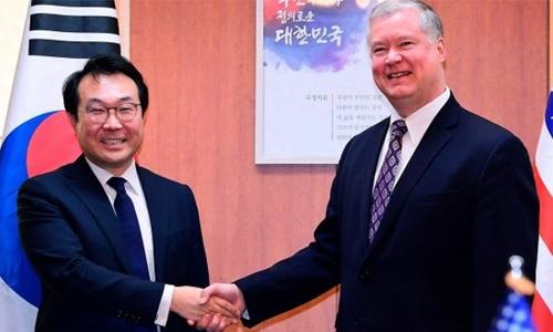 US, N. Korea to continue summit talks next week