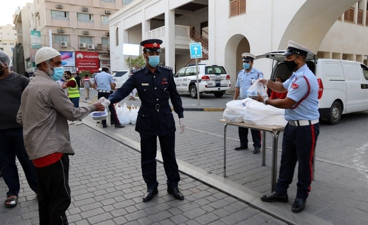 Bahrain's governorates and police departments provide 16,000 Ramadan meals