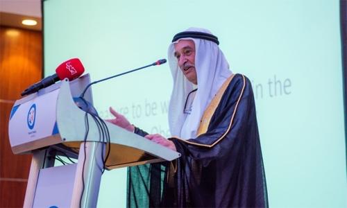 25.7% expatriates, 42.8% citizens in Bahrain suffer obesity