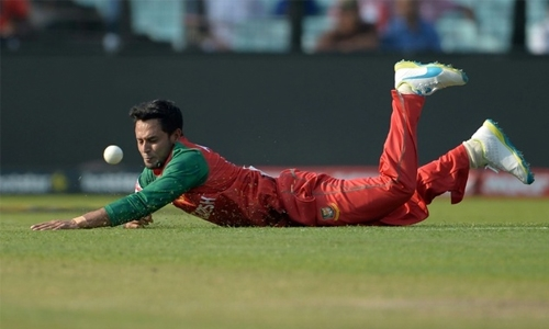 Bangladesh player arrested over photos of girlfriend