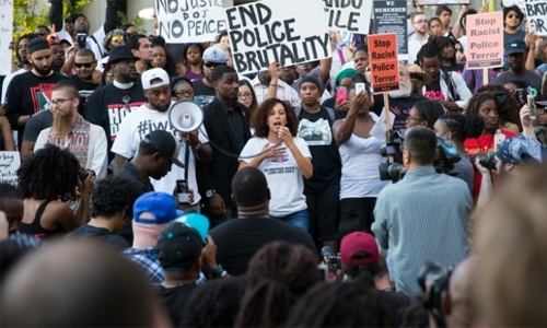 US officer charged in shooting death of Philando Castile