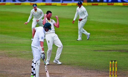Aussies wrap up 118-run victory