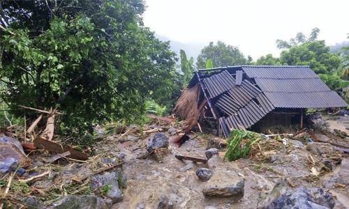 Floods and landslides kill 54 in Vietnam, 39 missing
