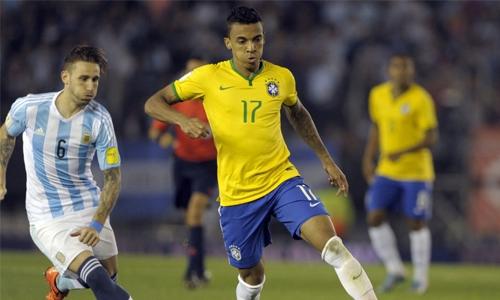 Brazilian midfielder Gustavo joins Marseille